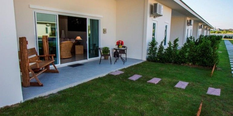 2 Bedroom Poolside Townhouse 100 sqm