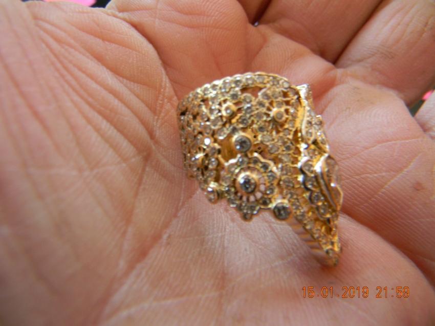 Lady's Thai dress gold diamond ring