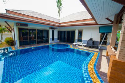 3 bedrooms and 2 bathrooms with private pool