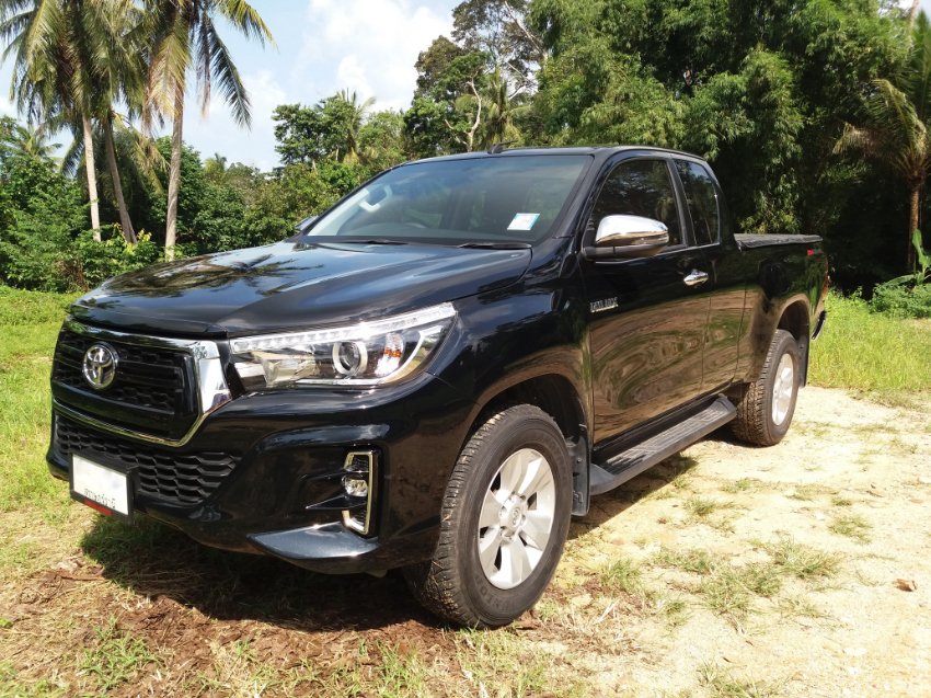 Toyota REVO Prerunner 2.4 E Plus AT 2018 only 5xxx km like new