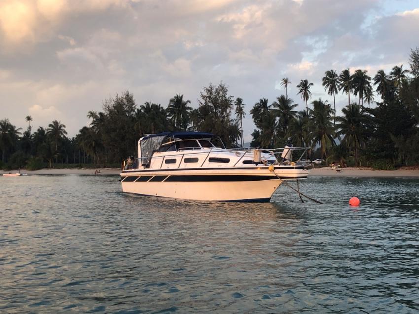 40' Cabin Cruiser