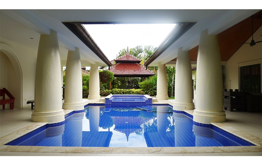 Balinese style 3-bedroom pool villa for sale Hua Hin soi 114