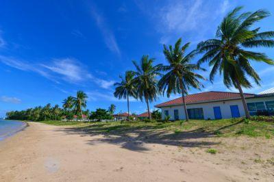 Absolute Beachfront Resort