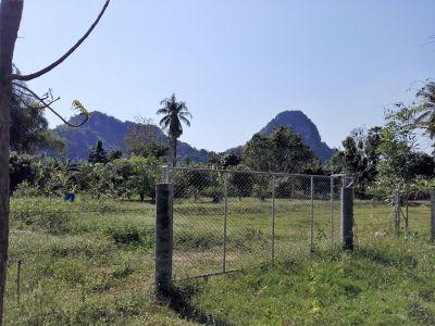 Mountai View 1-2-66 Rai Corner Plot 110 Meter Canal Road Frontage
