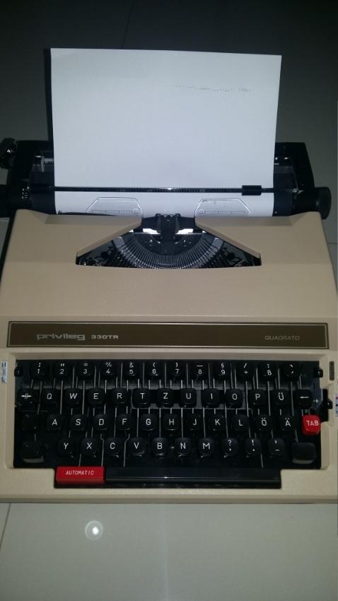 Typewriter Privileg 330TR  Quadrato