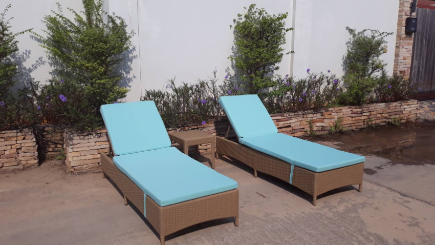 exquisite sunlounger set, 2 sunbeds with matching cocktail table, new