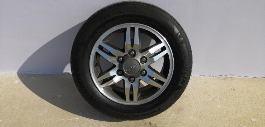 4 Alloy Wheels + Tire Michelin