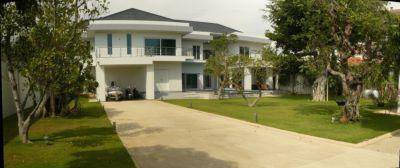 Best Price Very Nice Villa Jomtien Beach Pattaya For Sale