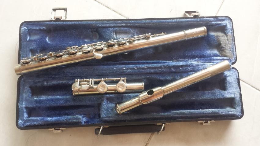 Bundy II flute