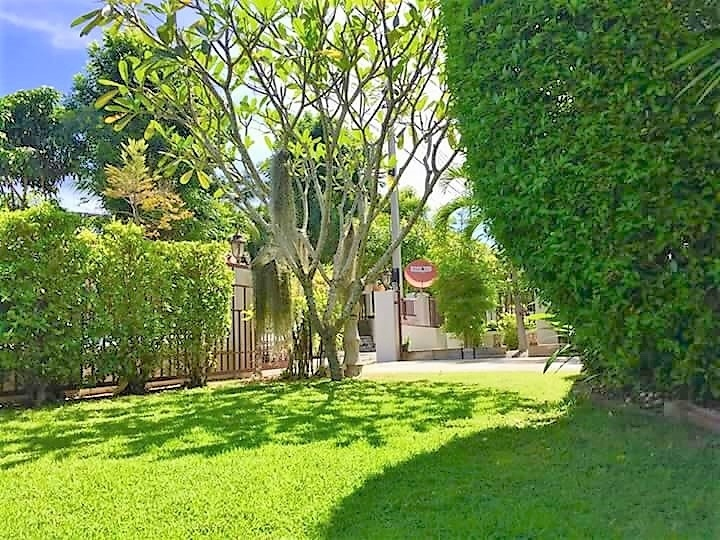 Conveniently Located 24 Hour Secure 3 BR 3 Bath Home Near City Center