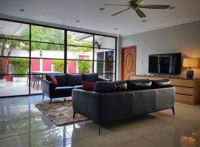 Jomtien Beach modern 4 bedroom villa, top location.
