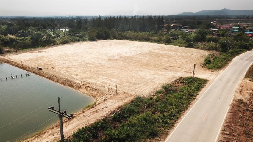 Land 3 rai 160 T.w. for sale in Pranburi