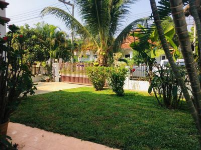 Fully furnished 4 bedroom house with nice green garden near Payap Univ