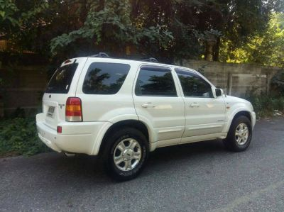 STEAL this 2005 4X4 ford Escape SUV with so many extras