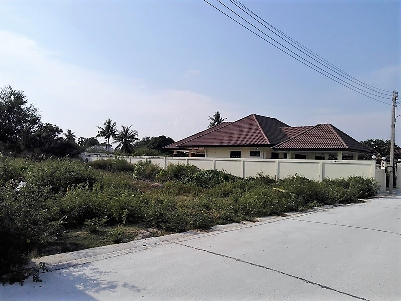 Ideally Located 200 TW Home Building Plot Just North of Hua Hin