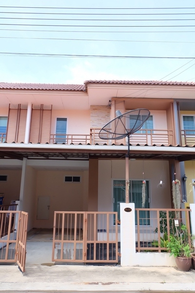 TL-0054 - Town house for rent with 4 bedrooms, 2 bathrooms, 1 kitchen