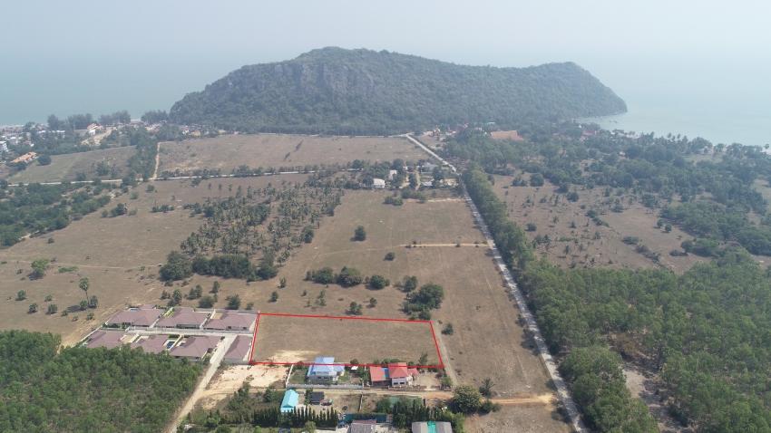 Land close to Khao Kalok Beach Pak Nam Pran –2 Rai 3 Ngan 9.75 Wah