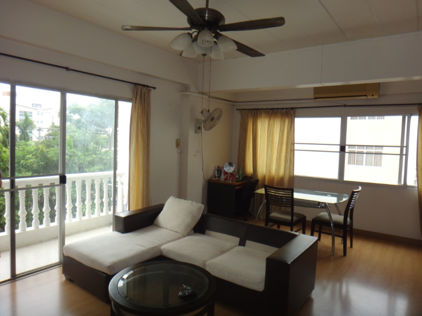 1Bedroom condo 1.4 mil 65 sqm