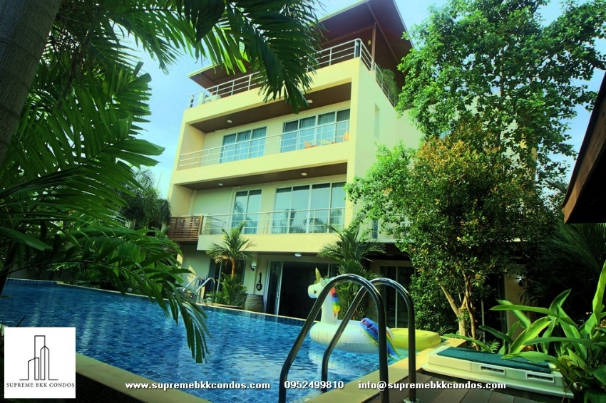 Private Pool House/ Home Office and Office building for Sale