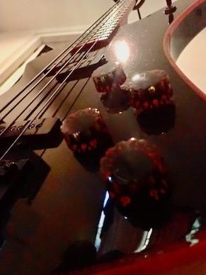 rare washburn 4 string bass guitar