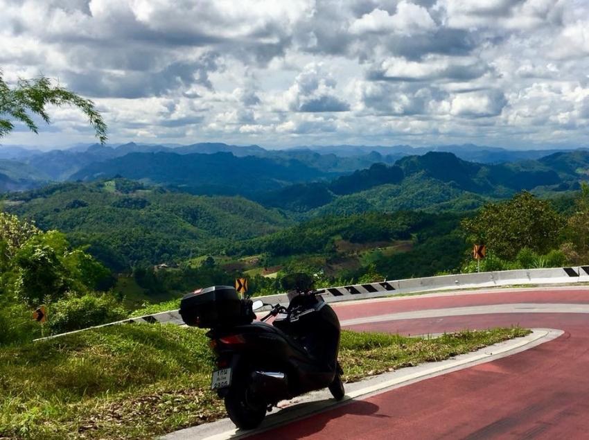 SELLING 2015 Honda Forza 300 CC Matte Black 27,800 km