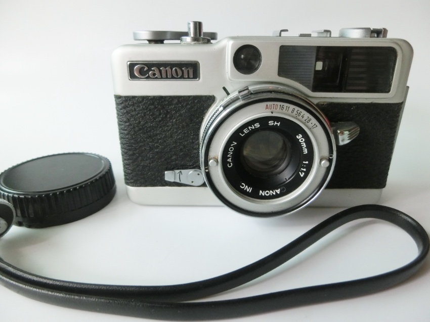 Excellent Used Canon Demi EE17 35mm (half frame) Film Camera