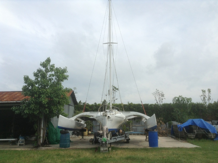 29ft trailable folding Trimaran