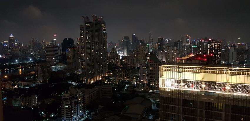 Bangkok Condo in Sukhumvit Road Soi 24 500m to the BTS and Emporium