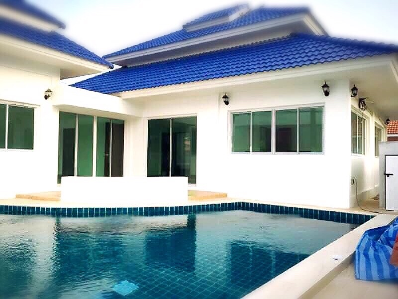 VILLA 4 BEDROOMS WITH POOL FOR SALE