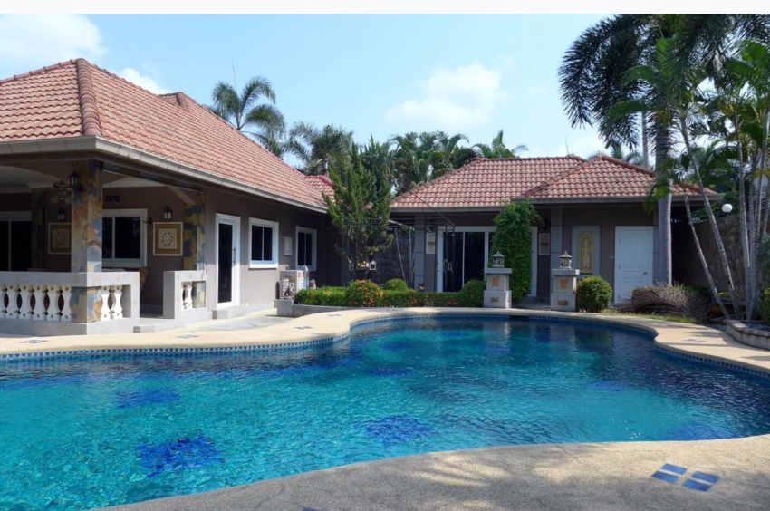 Very beautiful detached Pool Villa Pattaya-Nongpalai