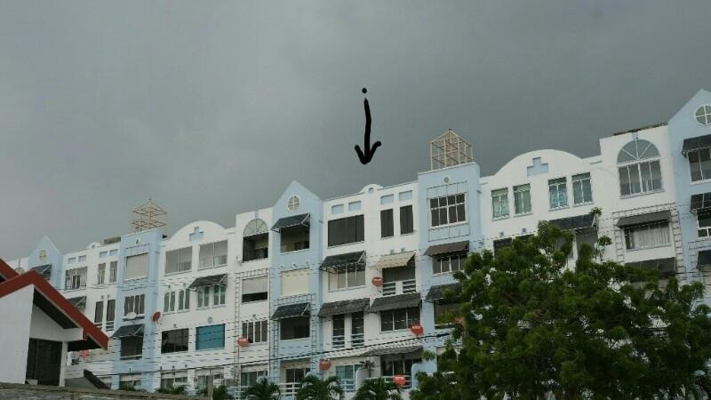 Pattays Del Rey Condo 100sqm 2bed/bath top floor (5) by the sea.