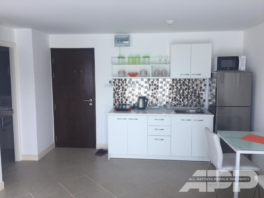 1 bedroom in Bang Saray Beach Condo only 200 m. from beach.