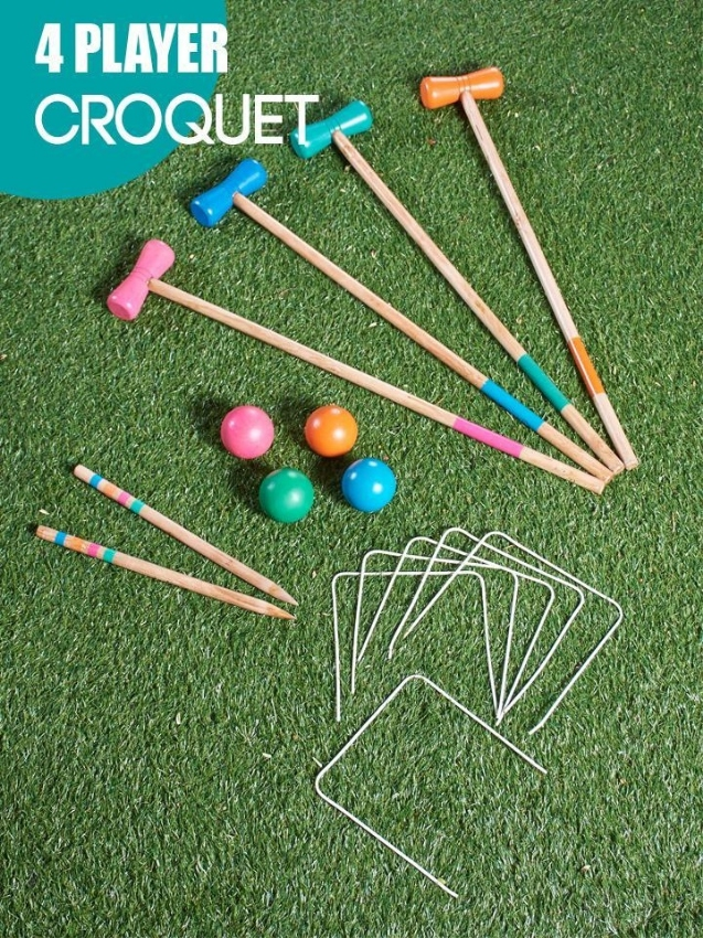4-player croquet set with handy carrying bag