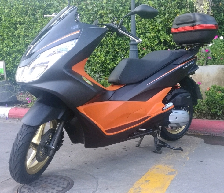 Honda PCX 150 As New 1 Owner 15 months Old Suit new Buyer