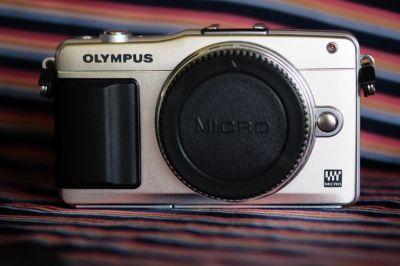 Olympus E-PM2 Mirrorless Digital Camera Body