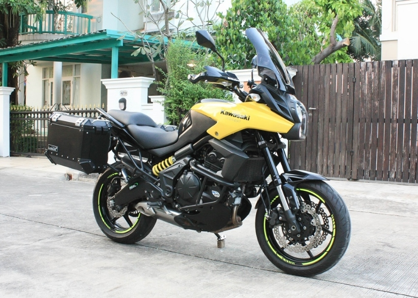 [ For Sale ] Kawasaki Versys650 2014 with sidebox no accident