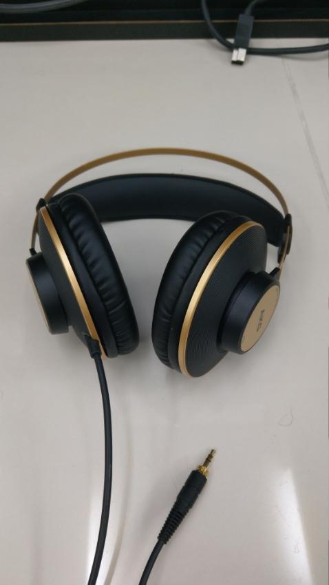AKG : K92 (หูฟังแบบครอบหู พร้อมไดร์ฟเวอร์ขนาด 40มม.)