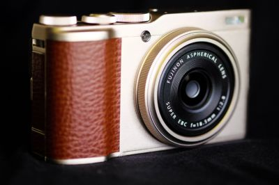 New Fujifilm XF10 Digital Camera (Champagne Gold)