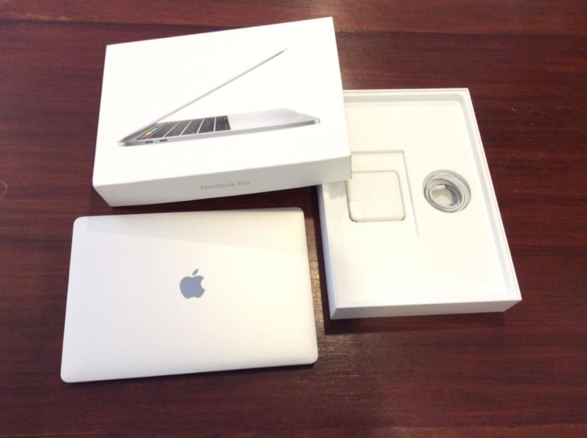 MacBook Pro 13 inch Touch Bar (4TB 3 Ports)Silver