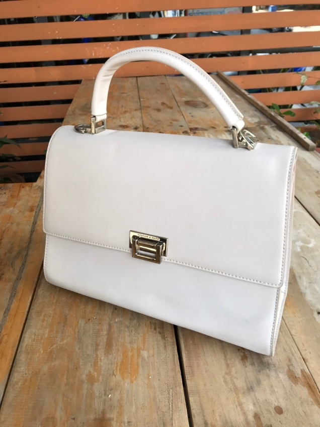 Woman handbag Charles & Keith white brand new