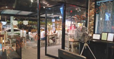 1001027 Food and Beverage Business in the Heart of Chiang Mai