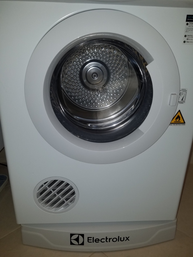 Like new clothes Dryer for sale