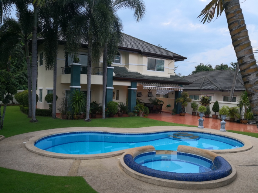 Green Field Villas 1 For Rent in East Pattaya