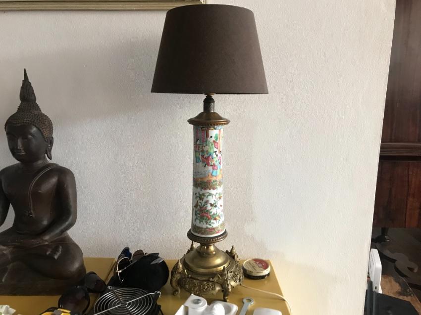 Beautiful Antique Famille rose vase lamp