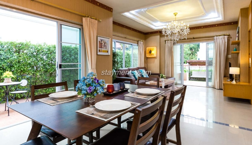 3 Bedroom House on Canal Road 10 min drive to Nimman for Sale