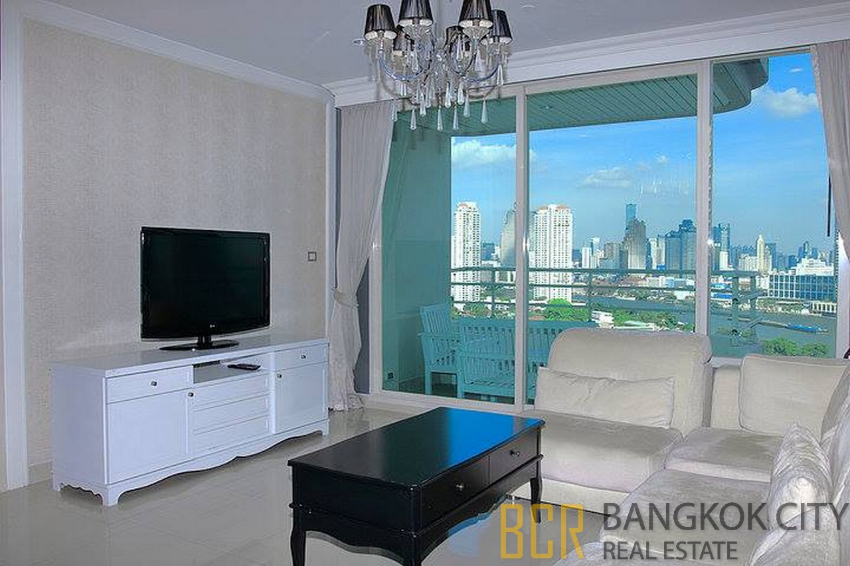 Watermark Chaopraya Luxury Condo Spacious and High Floor 3 Bedroom Uni
