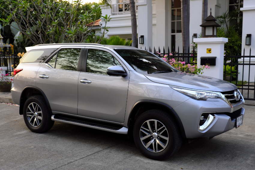 Toyota Fortuner, March 2018, 2,8L, AT, 2WD, 21000 Km, like new