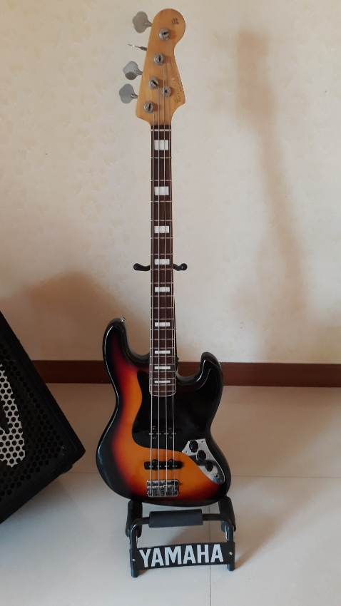 Jazz Bass made in Japan