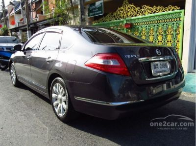 Fast, comfortable and luxury Nissan Teana 250 XV V6 for sale by owner