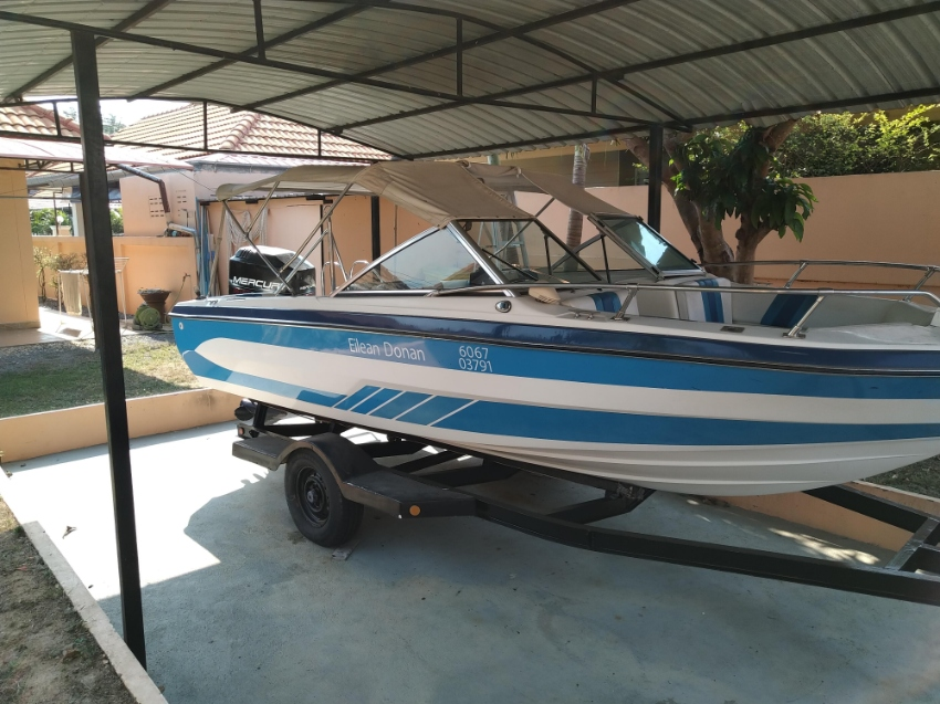 21ft Ski Boat for sale